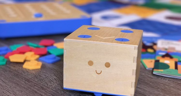 Cubetto introduces coding to students age 3-6